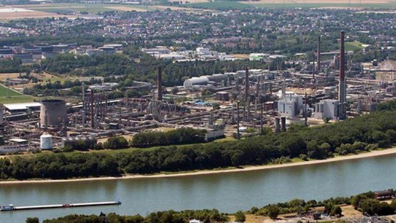 Besuch der Shell Raffinerie